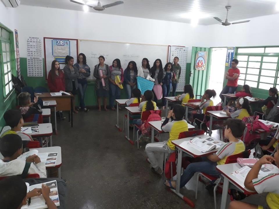 Visita a escola municipal Ana Rosa