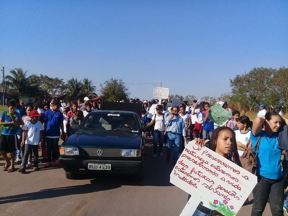 No dia 27 de agosto de 2017 foi realizada uma caminhada em defesa do Córrego e lagoa do Jacaré, houve a mobilização da comunidade, a saida foi da escola Caminhada em defesa do Córrego Jacaré